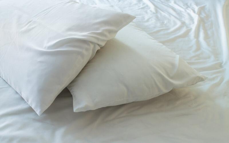 rendere cuscini bianchi