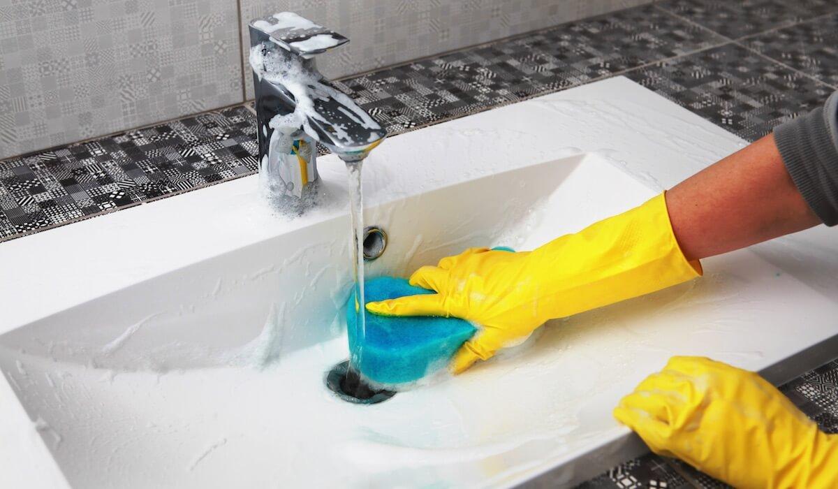 Come pulire i pavimenti senza rovinarli e senza spendere ...