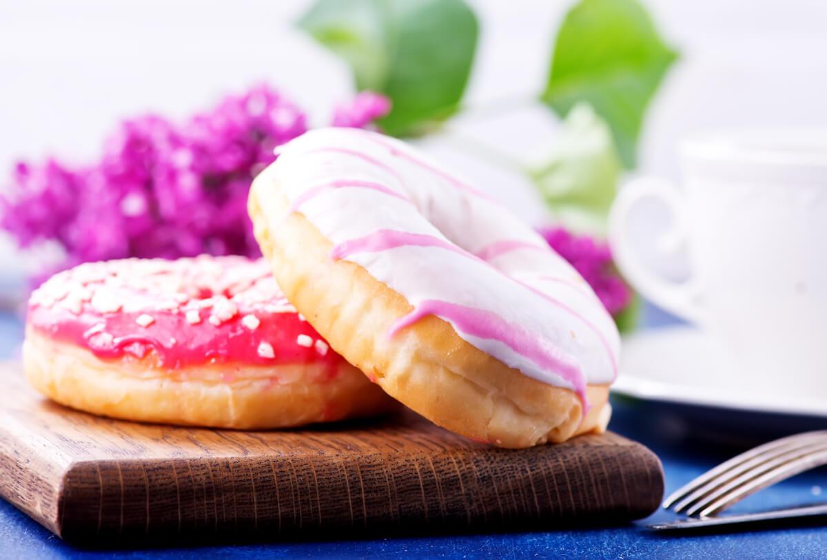 Evita cibi raffinati, ricchi di zuccheri e grassi saturi