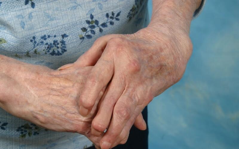 Mascherare l'invecchiamento delle mani